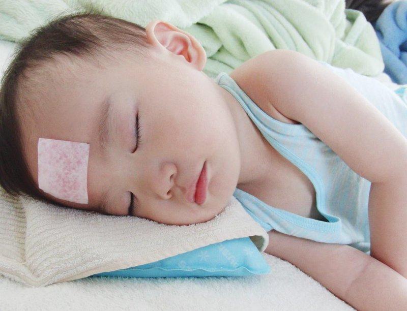 Biện pháp chăm sóc bé tốt hơn khi trẻ bị sốt rét run