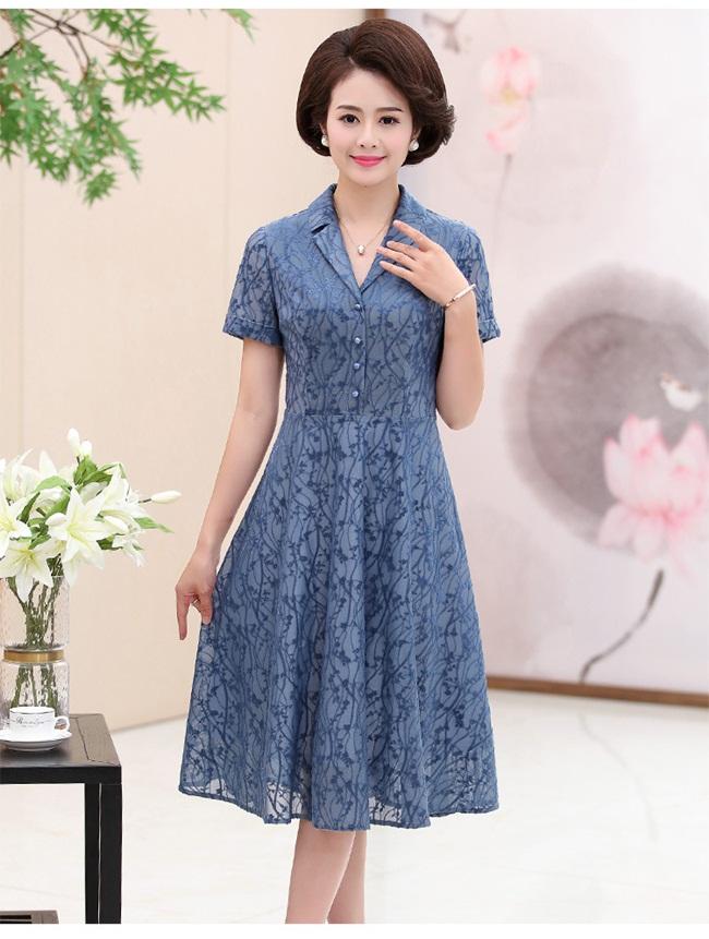 Đầm xòe trung niên