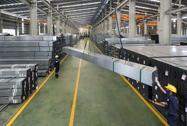 Nghịch lý thị trường trong ngành kinh doanh sắt, thép