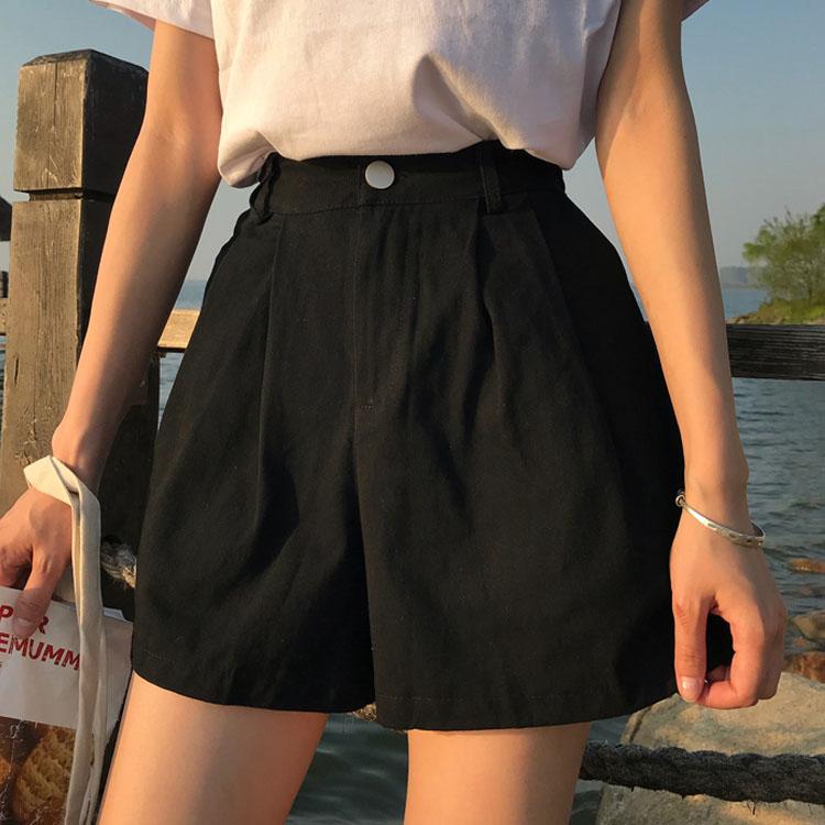 Xu hướng quần shorts xếp ly