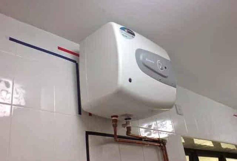 Nên chú ý ngắt bình nóng lạnh trước khi sử dụng