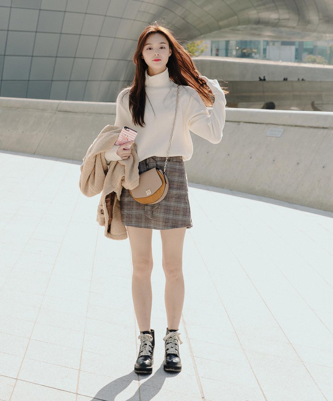 Top 6 mẫu áo len độc đáo cho các cô nàng công sở vào mùa đông lạnh