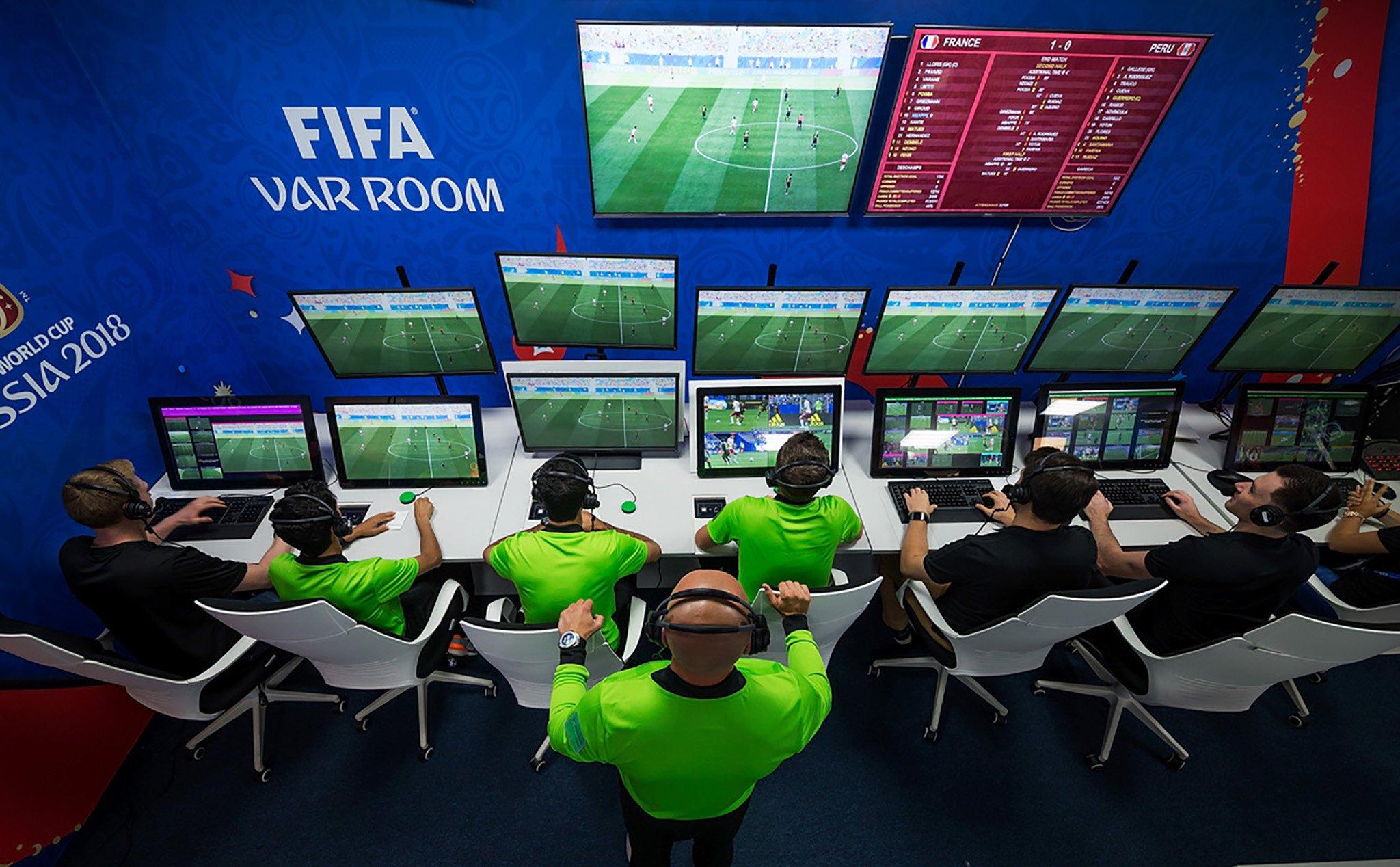 Trải nghiệm công nghệ VAR của đội tuyển Việt Nam trước đội tuyển Nhật